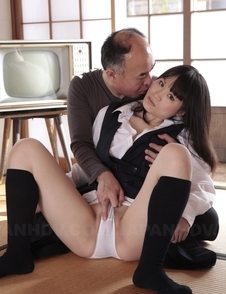 An Kanoh has pussy rubbed over the panties