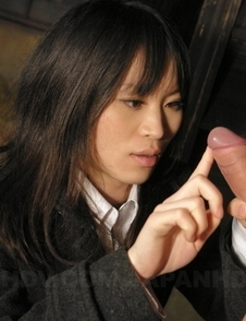 Nasty Mai Shimizu sucks a cock while rubbing