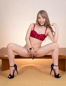Airi Mashiro takes off her panties before giving a wild footjob to a horny guy