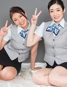 Uniformed beauties Reiko Kobayakawa and Ryu Enami worship each other's feet