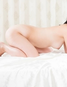 Tsukushi and Sawamoto Yukie sucking on each other's toes while totally naked