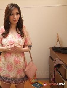 Busty Asian Yuko Iijima has pussy showered