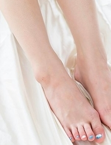 Ryu Enami showing her sexy soles and being extremely naughty before the footjob