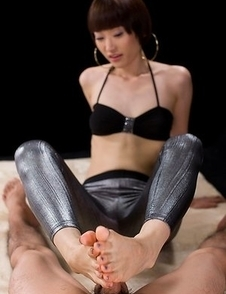 Tights-wearing bombshell Mizuki using her feet to get this dude off in POV