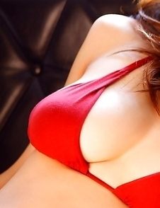 Asana Mamoru with big boobs in red bra loves the sunlight