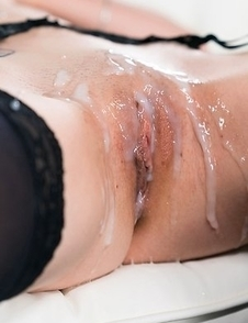 Tera Link Gets Her Pussy Drenched with Cum