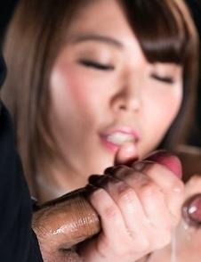 Yui Kawagoe Cummy Handjob