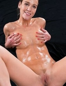 Alexis Crystal Sticky Bukkake Facial