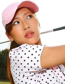 Nao Yuzumiya likes showing off