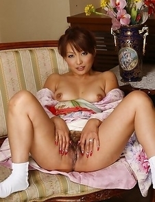 Cute Kaede Moritaka shows her pussy