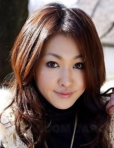 Lusty Yu Yamashita poses and teases