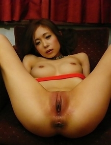 Shuri Maihama enjoys in hot toying