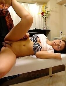 Japanese babe likes freaky sex toys