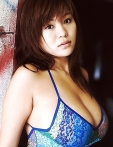 Yoko Matsugane with immense cans shows curves in lingerie