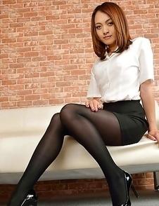 Ravishing Rina Itoh poses in sexy high heels and hot short skirt