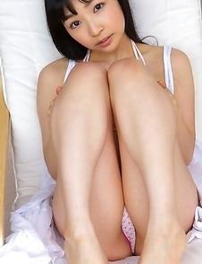Kotone Moriyama in cute lingerie loves exposing her legs