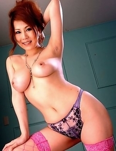 Hot Yuki Aida shows her big boobs