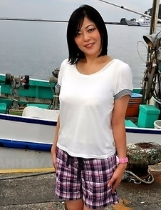 Hot Japanese lady Rika Shibuki