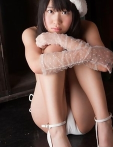 Hijiri Sachi with gloves has juicy tits and twat in white