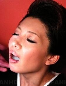 Sayuri Mikami slurps two fat cocks
