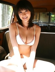 Mikie Hara shows her big boobs in the favourite automobile