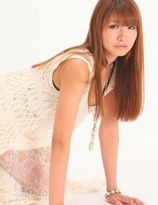 Minami Hazuki in white dress and with sexy smile is amazing