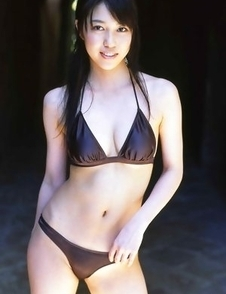 Beautiful gravure angel melts the scene in her bikini at a beach