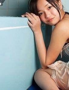 Mayumi Yamanaka spoils body with shower over lingerie