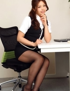 Asuna Kawai shows sexy legs and big assets in office suit