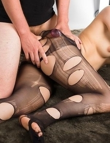 Ripped pantyhose brunette Reo Saionji gets her pantyhose fucked on cam