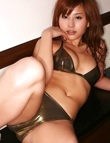 Mika Inagaki shows hot body in bath suit all over the place