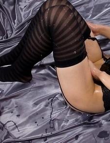Hairy pussy seductress Shizuka Maeshiro is ready to cum buckets on camera