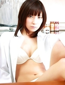 Miu Nakamura takes sports outfit off and reveals hot body