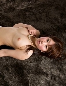 White stockings beauty Ruru Sakurai goes on all fours and shows her a-hole